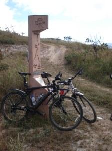 O final do Caminho do Sabarabuçu: 15 km de trilhas...