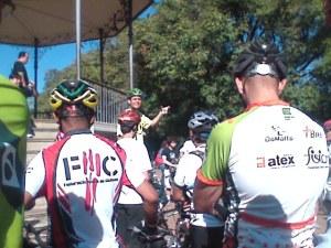 A concentração na Praça da Liberdade: Humberto Guerra, um dos organizadores do evento, fala sobre o percurso do pedal