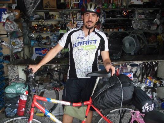 Bike e ciclista prontos: começa a viagem