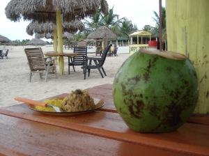 Um refresco em Coqueiro da Praia: recarregando as energias
