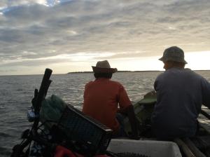 No barco a remo, rumo ao Ceará