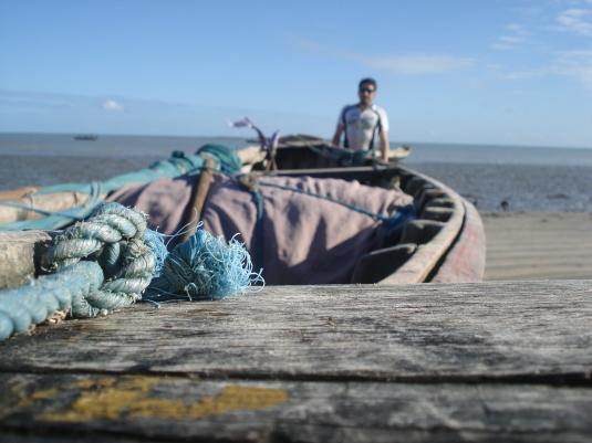 Sem estrutura turística: duante vários quilômetros, apenas vilas de pescadores