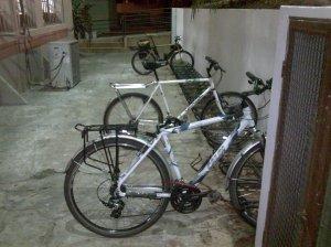 Joelma e as amigas no bicicletário
