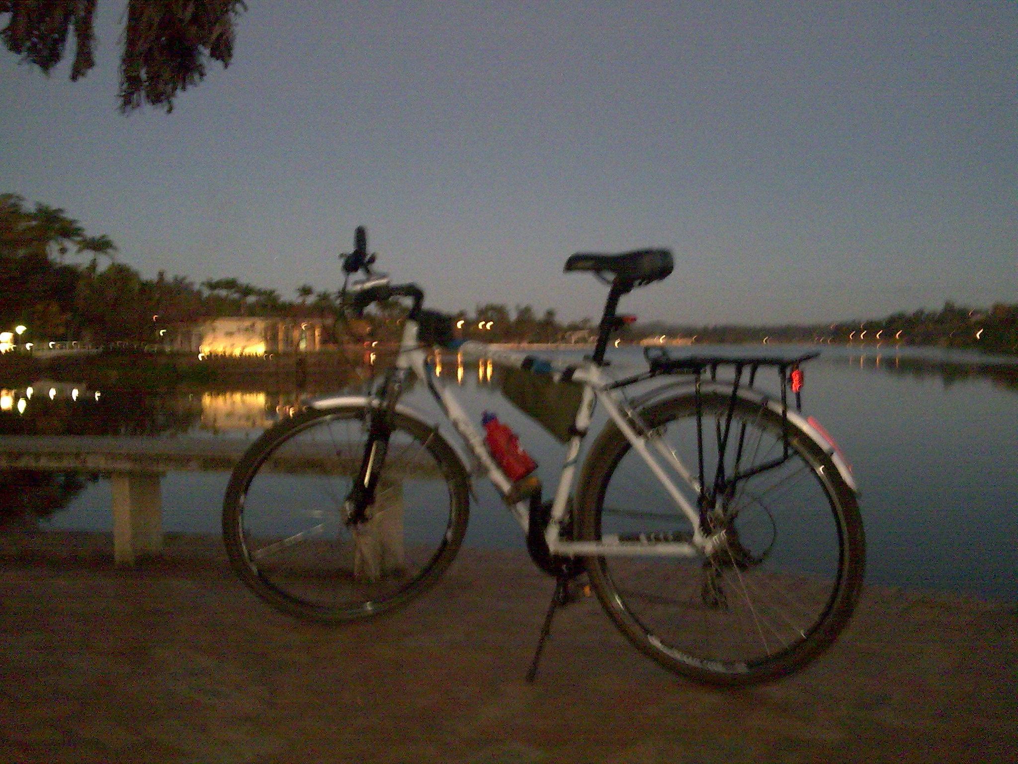 Lagoa da Pampulha hoje, 5:54 da manhã
